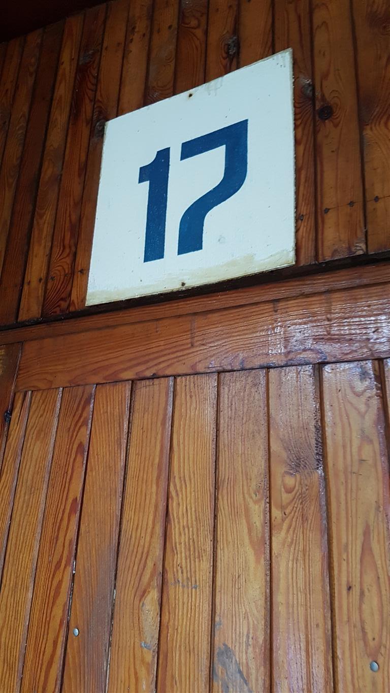 17a-Medium